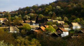 De superbes villages éparpillés un peu partout dans le monde