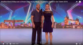 Un couple de danseurs dans une chorégraphie en 3D, c'est incroyable!