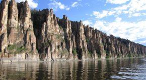 Magnifiques formations en Sibérie, voici le parc naturel des colonnes de La Léna
