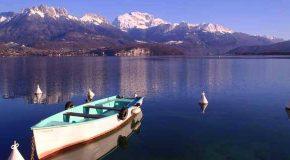 Visite très intéressante du lac Annecy dans les Alpes en France