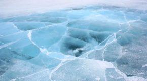 Superbes lacs gelés à travers notre si belle Bleue
