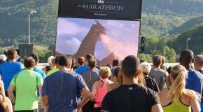 En Italie, des fans de Game of thrones, ont couru un marathon pour regarder la série.