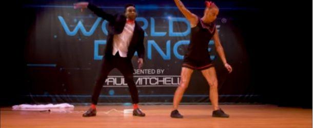 Un duo tel un automate au concours World of Dance 2017