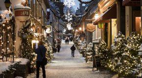 Décorations de Noël dans le quartier Petit Champlain au Québec Canada