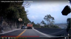 Chute spectaculaire d'un gros rocher sur une route, pas de victimes!