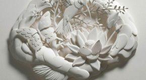 Un magicien transforme les feuilles de papier en sculptures de rêve!