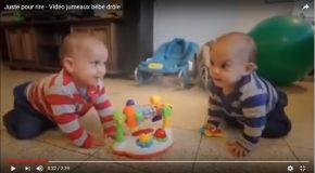 Moments de joie et de complicité avec des jumeaux