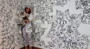 Une artiste-illustratrice Belge transforme sa maison en dessins en tous genres!