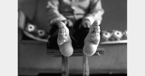 331326-photo-d-une-femme-aux-pieds-bandes-opengraph_1200-2