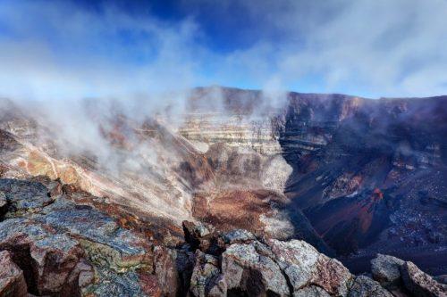 13095-10-volcans-actifs-dans-le