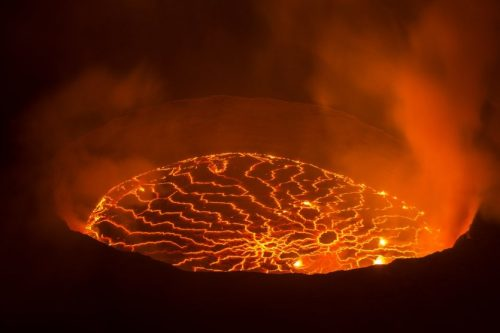 13092-10-volcans-actifs-dans-le