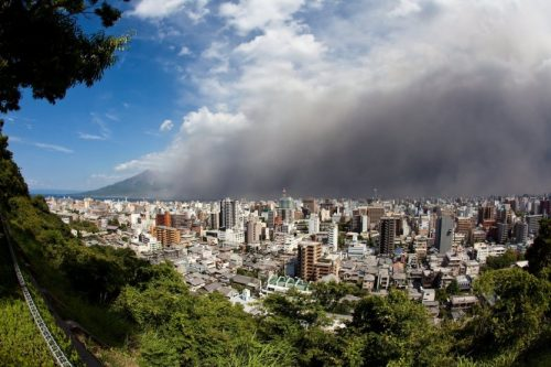 13091-10-volcans-actifs-dans-le