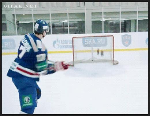 Quand les meilleurs joueurs de hockey se mettent face au but c'est pour marquer