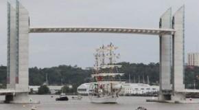 La fête du fleuve de Bordeaux, accueille cette fois le Cuauhtémoc mexicain et la course solitaire du Figaro