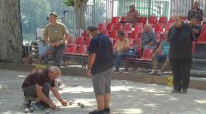 La pétanque un sport à part entière, qui est implanté dans les mœurs de habitants des plus belles régions de France